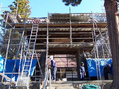 寺院山門屋根葺き替え
