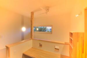 二階ホールの書斎スペース