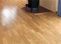 自然素材へのこだわり 天然無垢材の床 写真